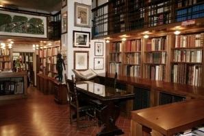 Libreria Antiquaria Gonnelli Florence, Italy